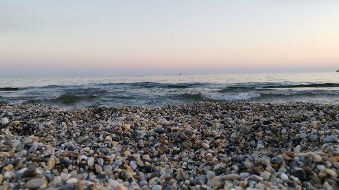 Море - в Алании в ноябре еще можно купаться!
