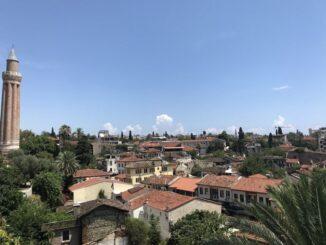 Старый город - главная достопримечательность Анталии