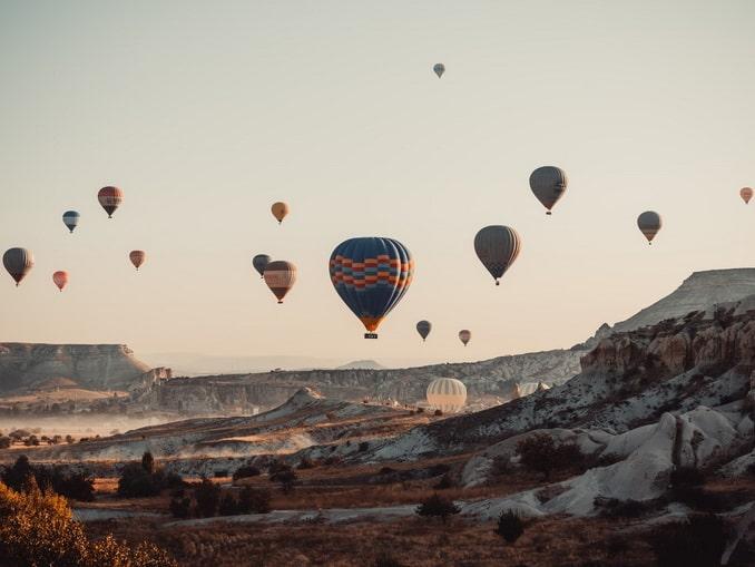 Шары над Каппадокией летают и в ноябре
