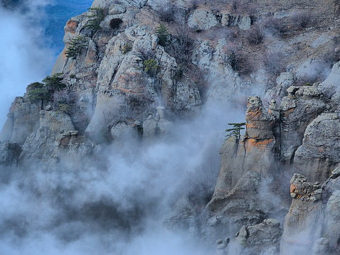 Долина Привидений так называется из-за частых туманов