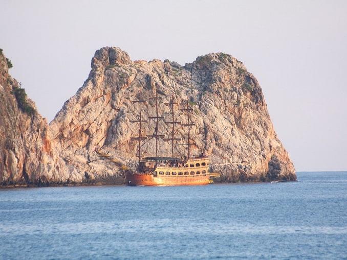 """""""Пиратские"""" парусники стоит определенно увидеть в Алании"""