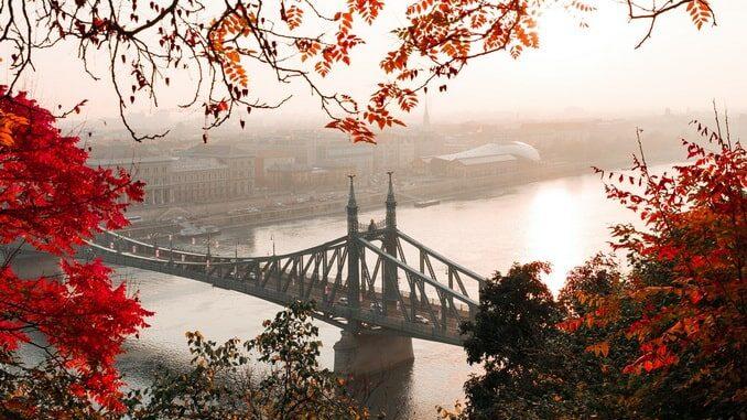 В октябре Будапешт отличает хорошая погода