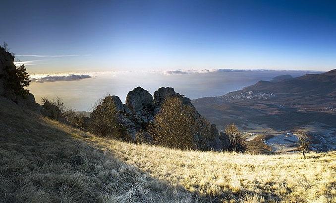 В горах под Алуштой ноябре может лежать снег