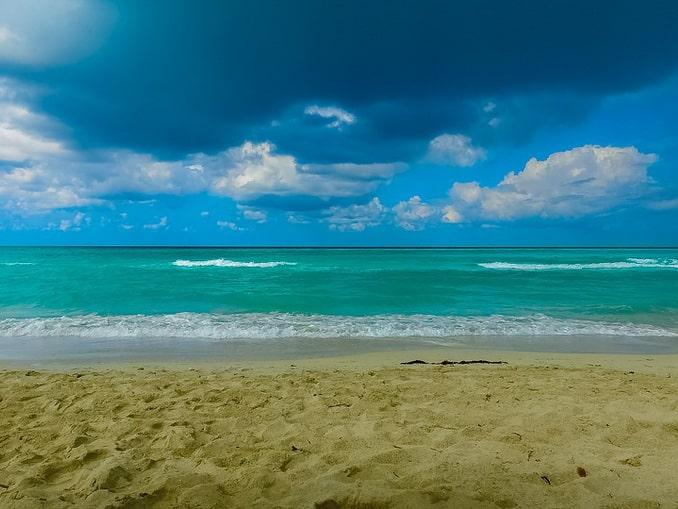 Море на Кубе в начале ноября - ожидается дождь