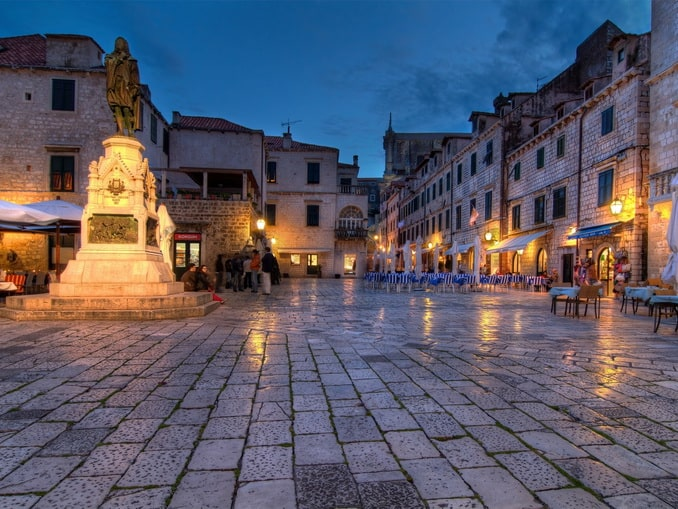 Дубровник - Хорватия в октябре все еще манит туристов