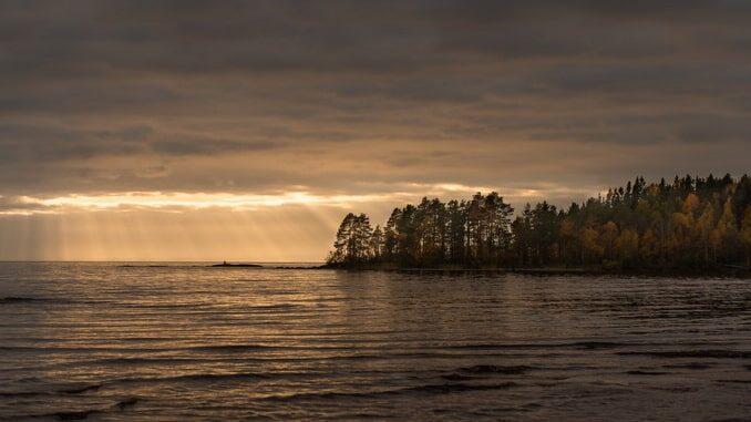 Погода в Карелии в октябре отлично подходит для отдыха!