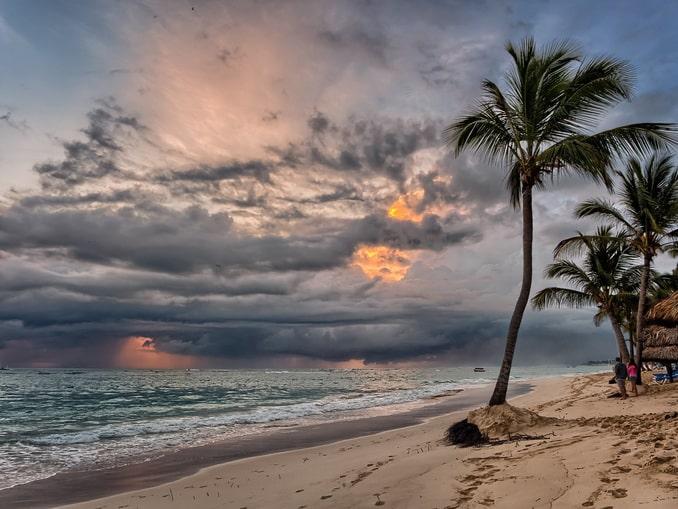 Штормит в Доминикане и в конце октября нечасто