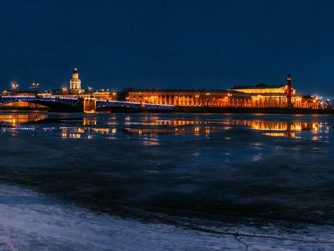 Погода в Санкт-Петербурге зимой часто переменчива